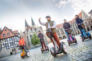 Mit der SegwayTour auf dem Altstadtmarkt Foto: Andreas Rudolph